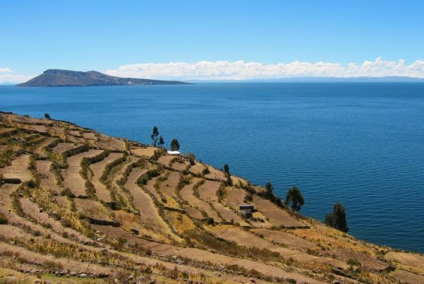 České stopy na břehu bájného jezera Titicaca