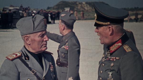 Sleduj online historický Mussolini: Vůdcův pád na !