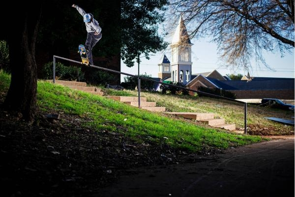 Sleduj online  Etnies: Album na Red Bull TV!