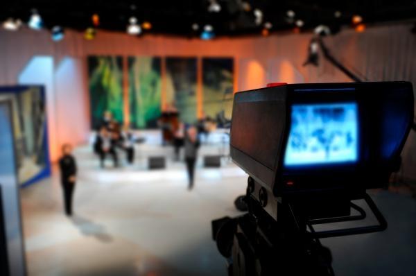 Sleduj online magazín Kulturní servis na V1!